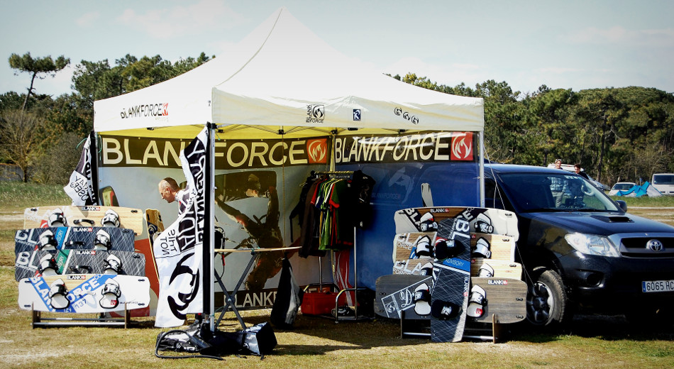 picture kitesurf stand